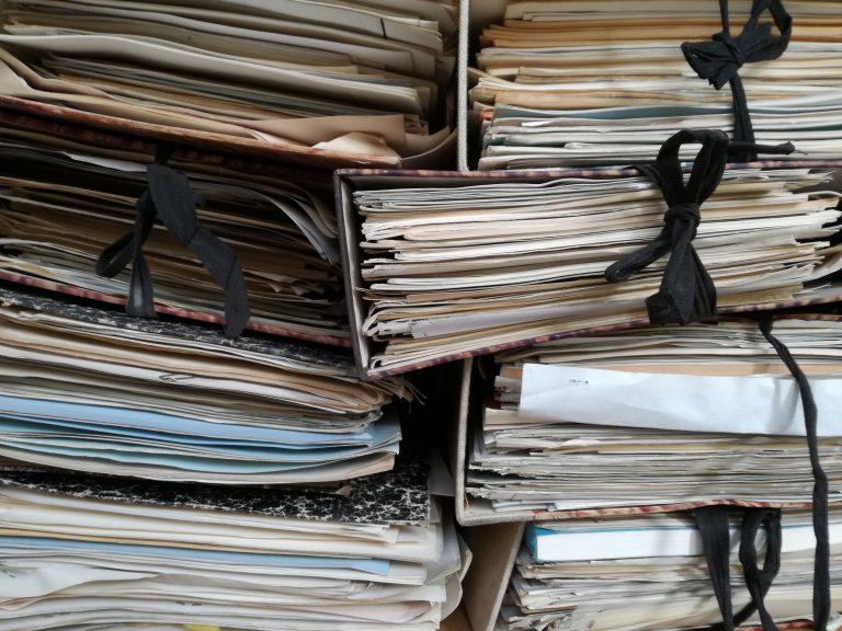 Lose-Blatt-Sammlungen sortiere ich Privatpersonen